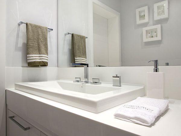 cores-claras-banheiro