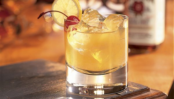 Jim-Beam-Bourbon-Whiskey-Sour-700x400